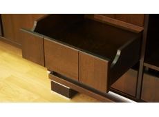 Шкаф 2-х дверный распашной коллекция Карина